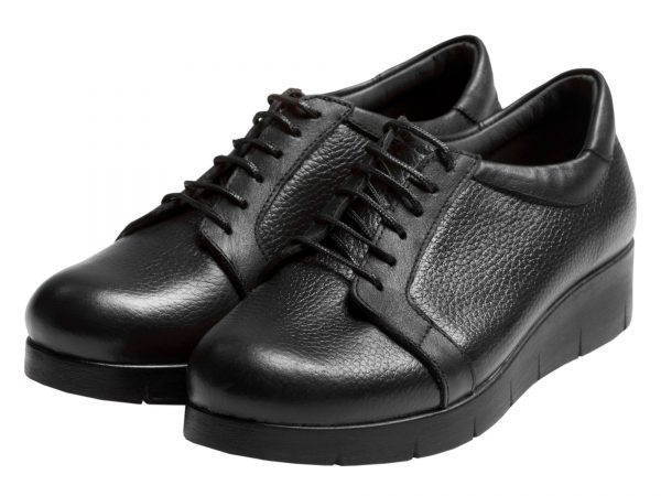 عکس کفشزنانه لژدار آنیا برای استفاده روزمره