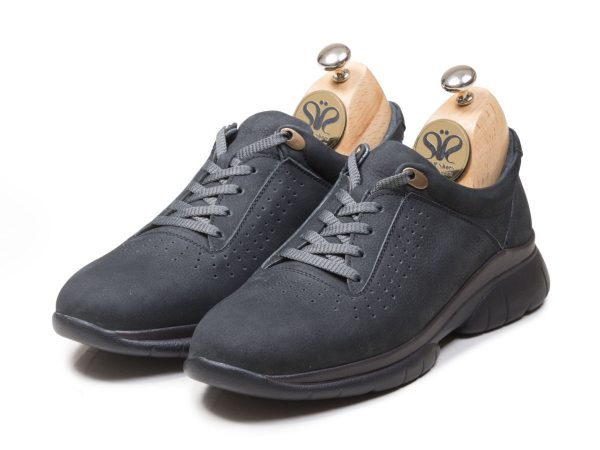 عکس مدل کفش اسنیکرز شیک پسرانه لسکون