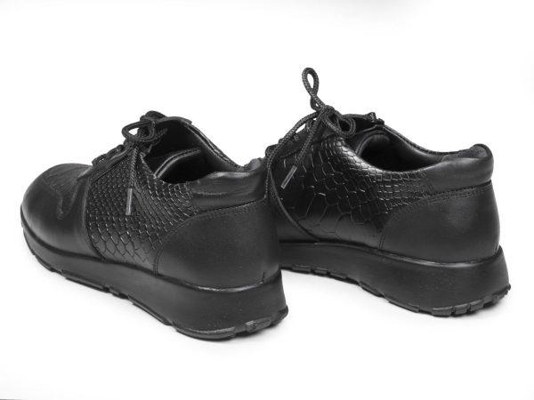 کفش اسنیکر دخترانه بنددار رنگ سیاه مدل شکیلا