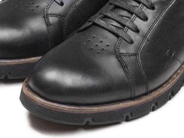 کفش اسپرت پسرانه سیاه مدل فورتیس بنددار