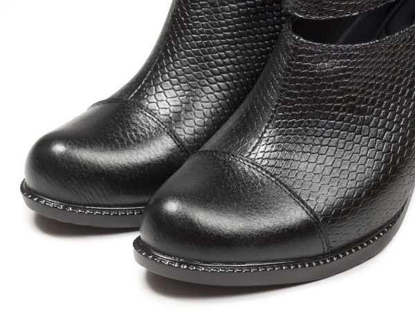 کفش چرم زنانه پاشنه بلند مشکی مدل بانیا