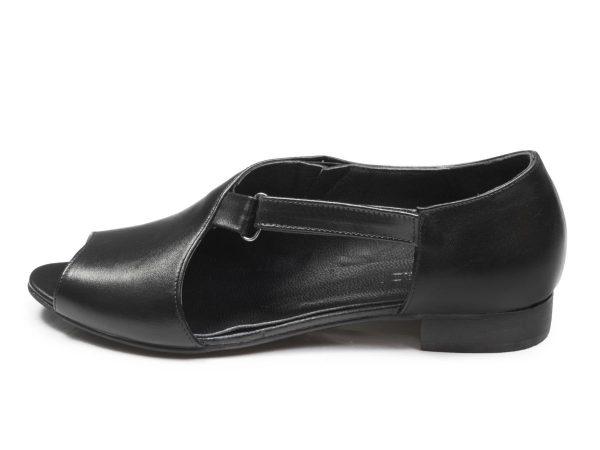 صندل زنانه جلوباز مدل بیندا رنگ سیاه
