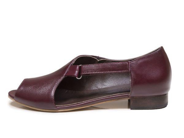 کفش تابستانی زنانه مدل بیندا رنگ زرشکی جلوباز