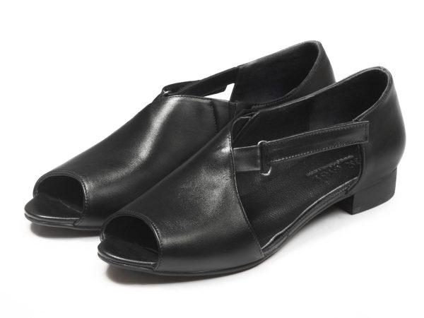 کفش زنانه تخت جلوباز مدل بیندا رنگ سیاه