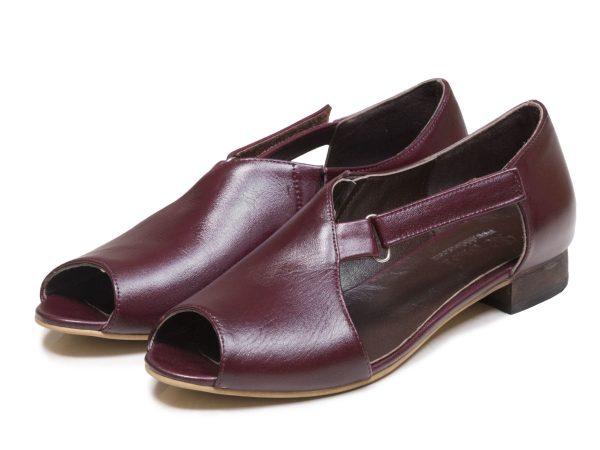 کفش زنانه تخت مدل بیندا رنگ زرشکی